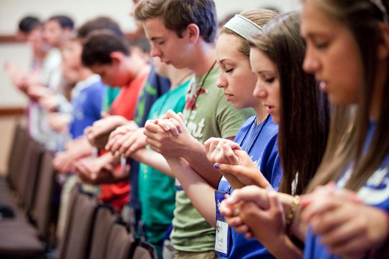 Resultado de imagem para jovens católicos