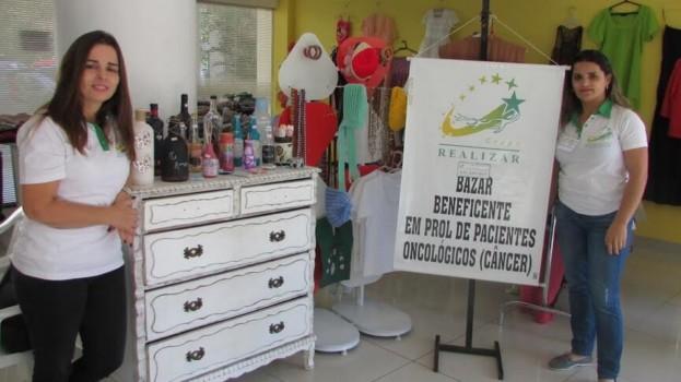 Bazar Beneficente tem renda em prol dos trabalhos do Grupo Realizar