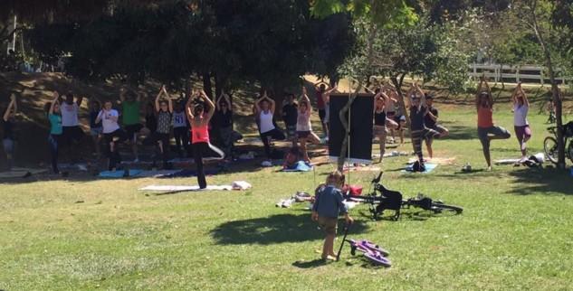 Aula gratuita de yoga neste domingo no Parque de Itaipava