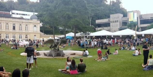Praça da Águia recebe mais uma edição da Deguste