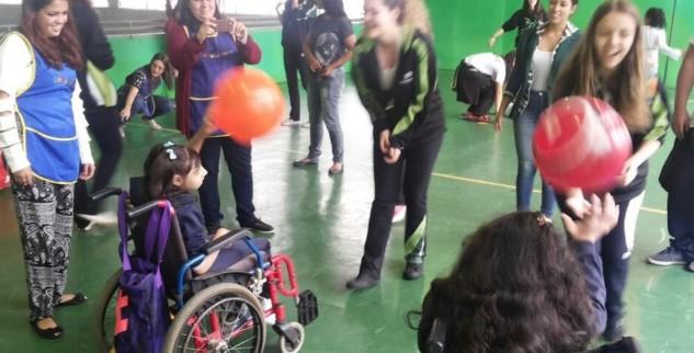 Bom Jesus Canarinhos promove evento de Páscoa para alunos de escola especial