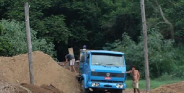 Terreno disponibilizado para o Distrito Industrial da Posse está abandonado