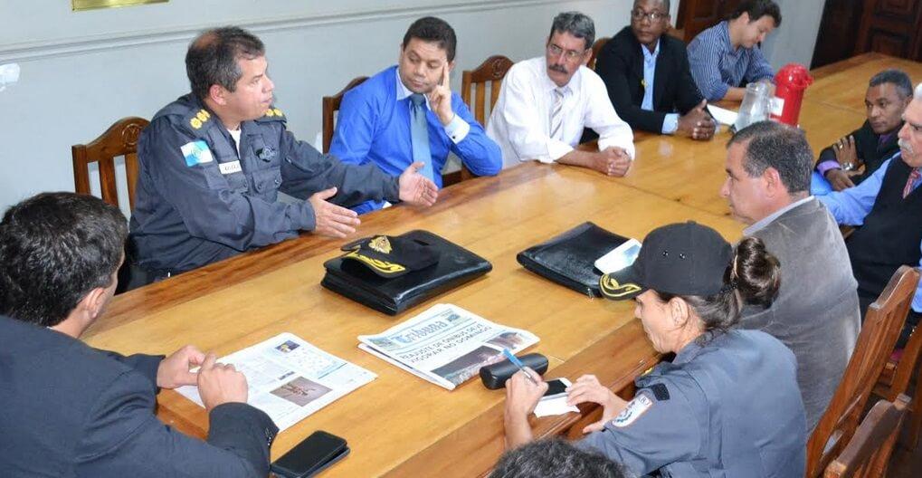 Vereadores solicitam instalação de cabine da Polícia Militar na Praça de Nogueira