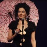 Letícia Sabatella mostra seu lado cantora no Theatro Dom Pedro