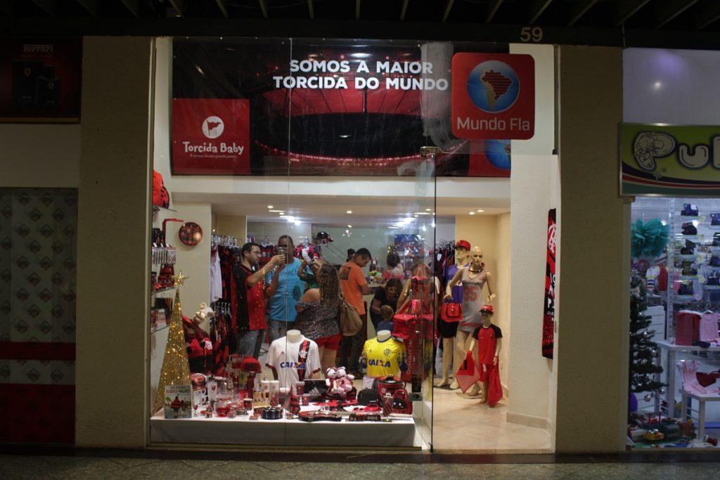 3e05baff04 Mundo Fla  loja só com produtos do Flamengo é inaugurada no ...